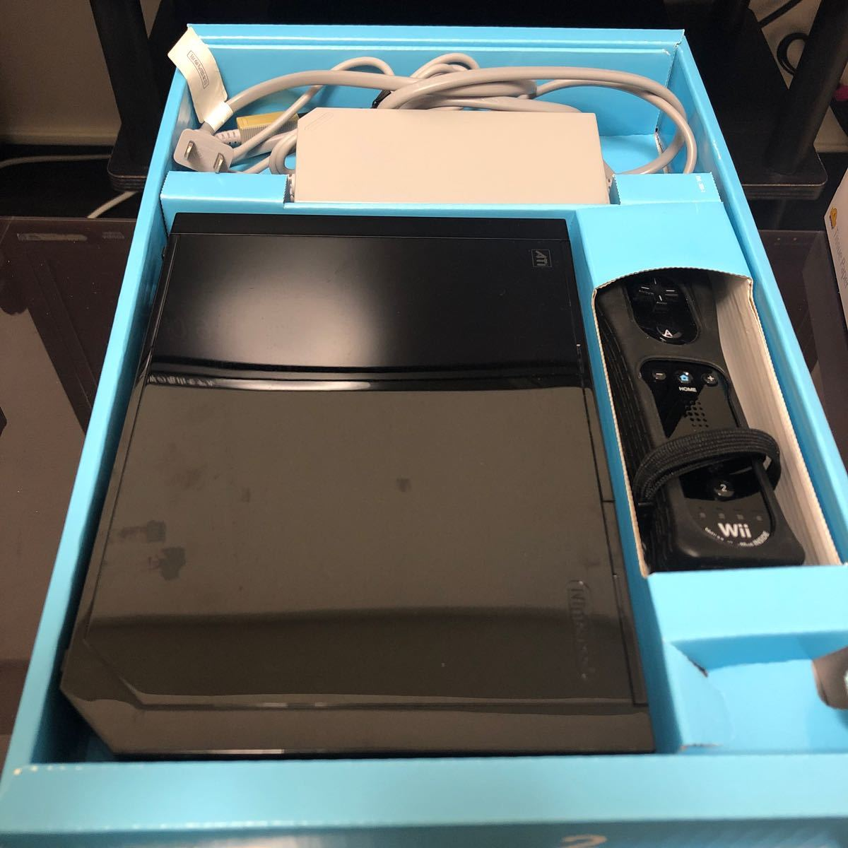 Wii本体 クロ 専用コントローラ Wiiリモコンプラス2本