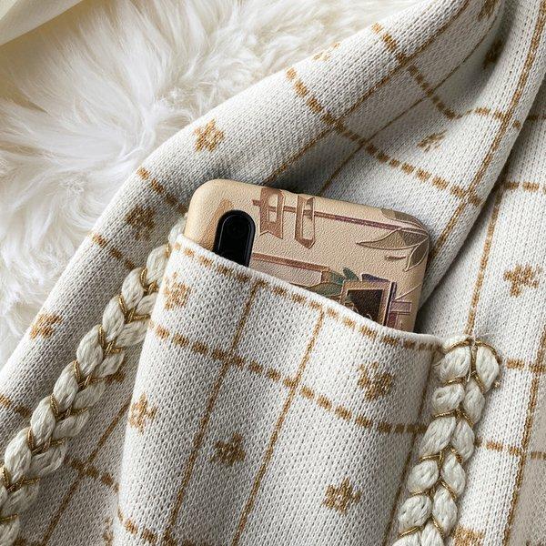 ワンピース フレアワンピ 膝丈 長袖 柄 襟 パールボタン 大人可愛い ポケット クラシカル ブラック ホワイト美人 結婚式 シンプル お出