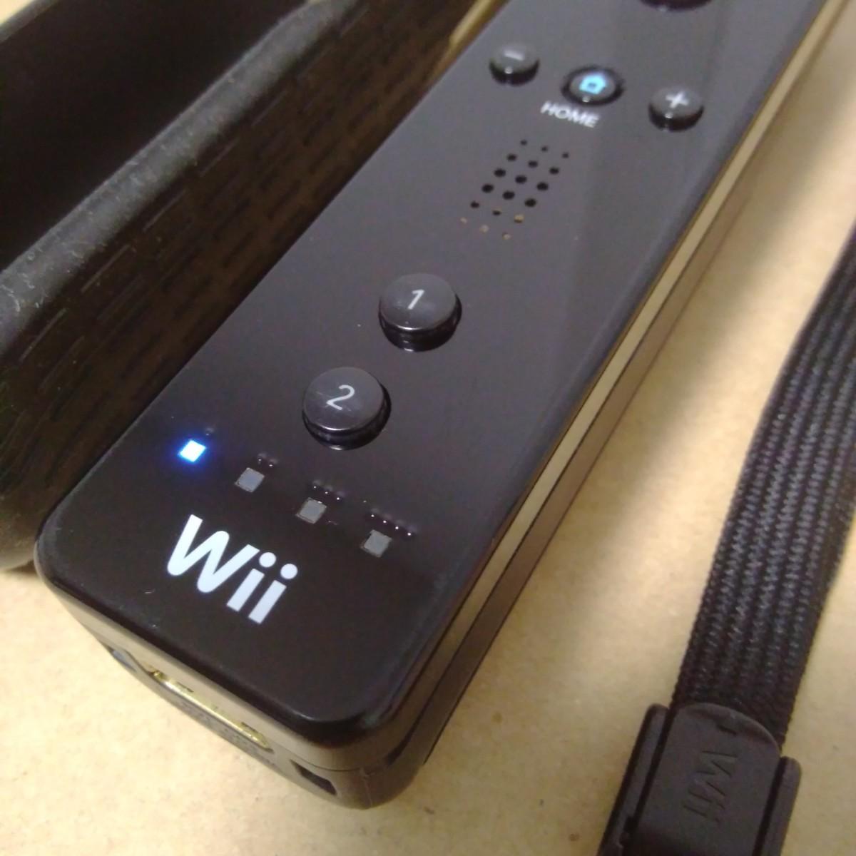 Wiiリモコン黒 ストラップ・シリコンジャケット 付