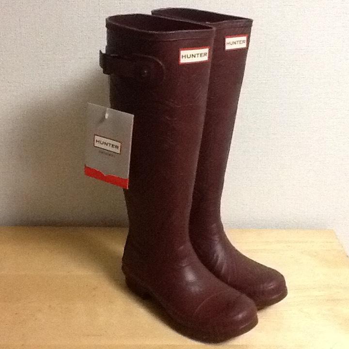 新品未使用 希少 HUNTER ハンター ロングレインブーツ US 5 インチ ブラウン 彫刻柄 (22-23cm) 長さ41cm 長靴_画像1