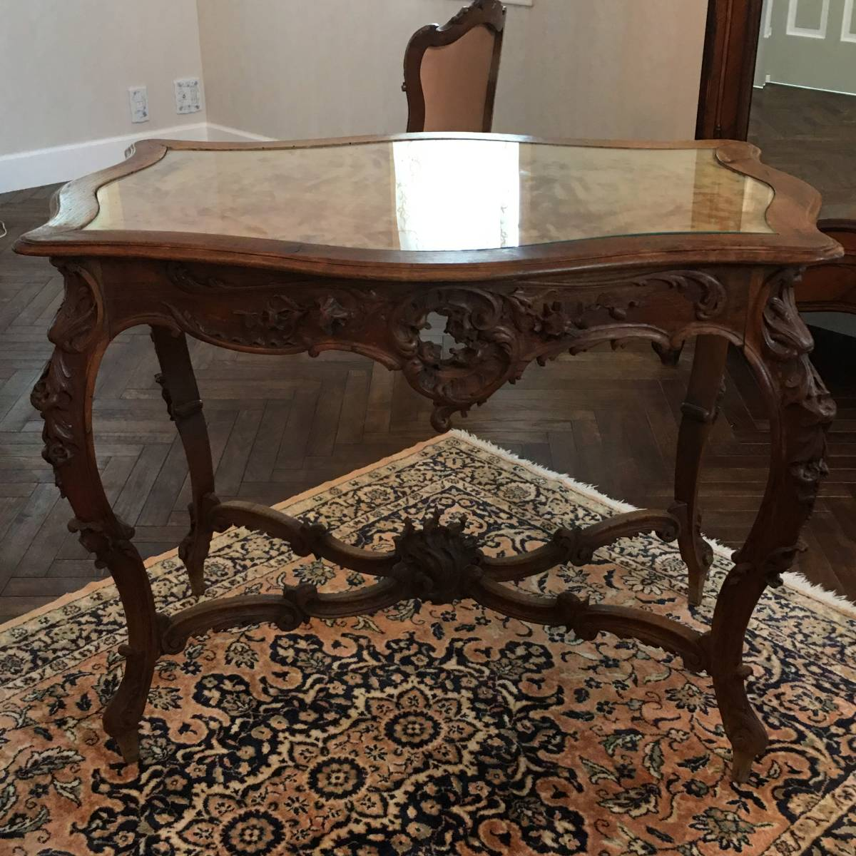 フランスアンティーク テーブル アンティークテーブル 19世紀 コンソールテーブル ルイ15世様式 ロココ様式 アンティーク家具_商品はガラス天板のテーブルです