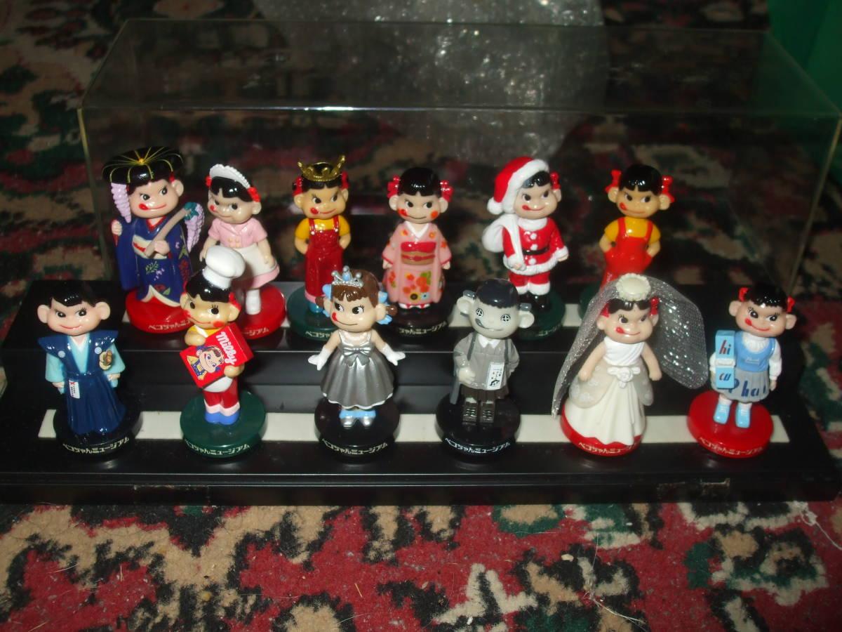 ☆【 不二家 】 ペコちゃん ミニミニ ミュージアム 首ふり人形 全12種 フルコンプ ケース入り  です。_画像1