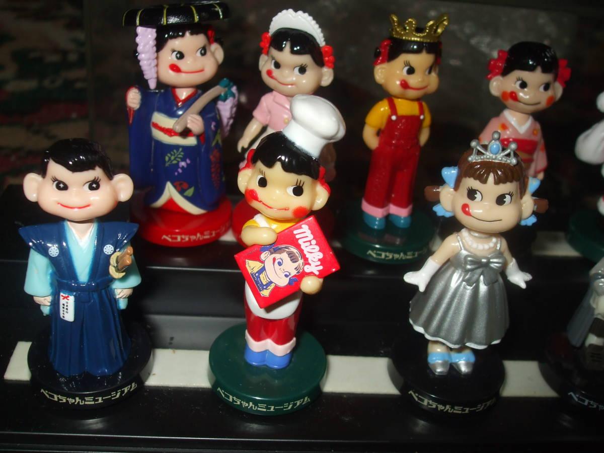 ☆【 不二家 】 ペコちゃん ミニミニ ミュージアム 首ふり人形 全12種 フルコンプ ケース入り  です。_画像2