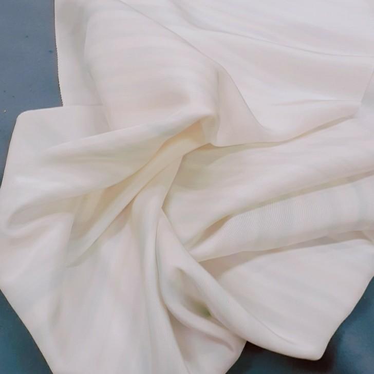 生地 正絹 シルク 白 カラフル ① はぎれ ハギレ リメイク