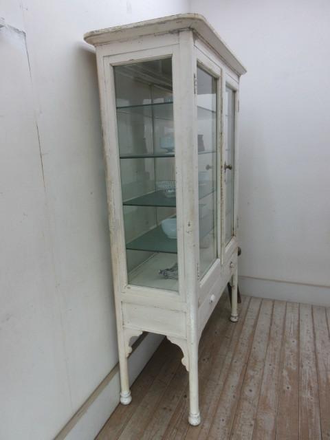 古いペンキの剥げた4面ゆらゆらガラスのケビントH412  アンティーク医療棚収納棚キャビネットパンケース店舗什器カフェ什器無垢材古家具_画像5