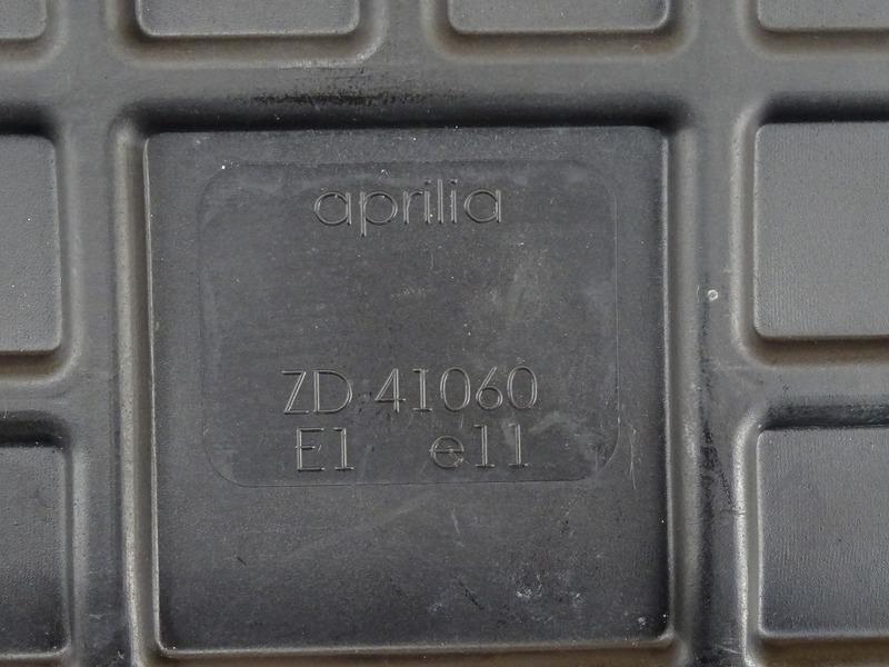 【000A】アプリリア RSV4ファクトリー◇ エアクリーナーボックス エアクリ エアクリーナー 【aprilia FACTORY APRC_画像9