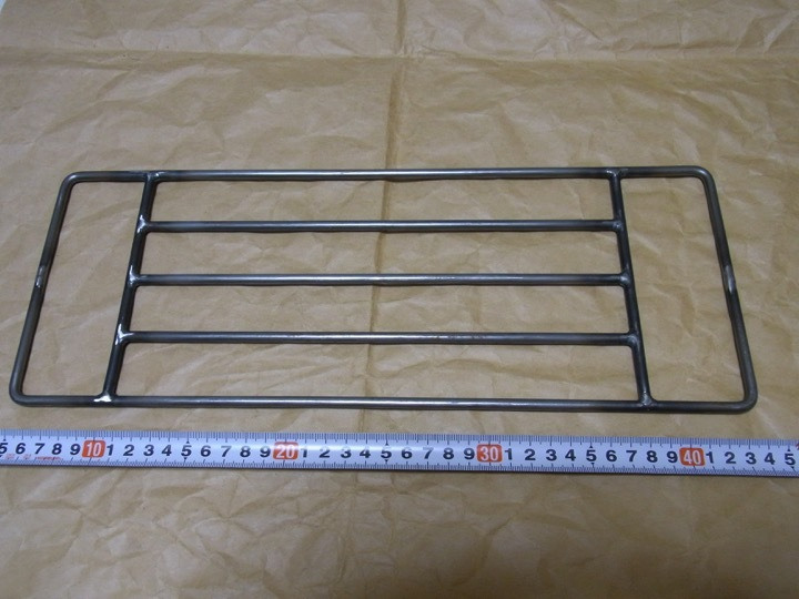 ロストル 鉄 未使用品 五徳 焚き火 ブッシュクラフト 長40cm×15cm_画像1