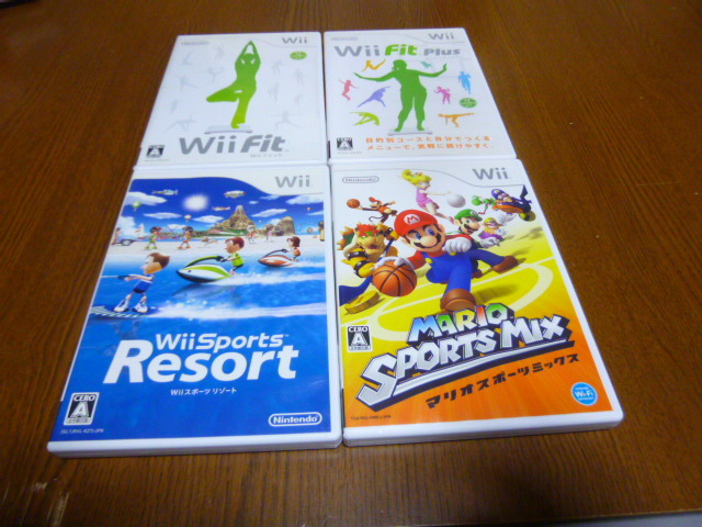 I5【送料無料】Wii ソフト セット Wiiフィット プラス Wiiスポーツリゾート マリオスポーツミックス(クリーニング 動作確認済)