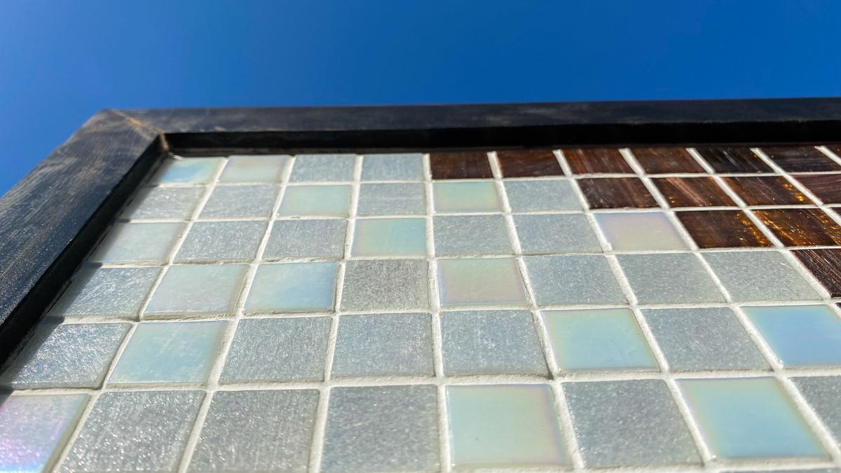 タイル絵 大きなタペストリー ガラスタイル 横2320mm 縦1040mm 光の具合が大変美しいタイルです。_画像6