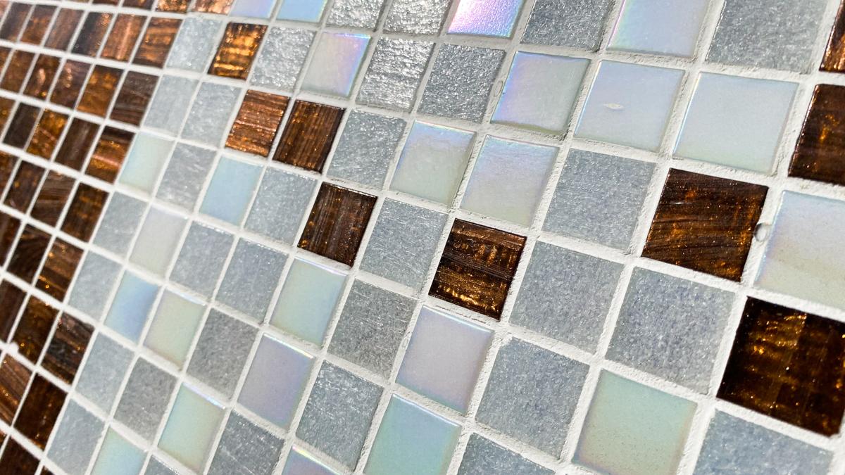 タイル絵 大きなタペストリー ガラスタイル 横2320mm 縦1040mm 光の具合が大変美しいタイルです。_画像3