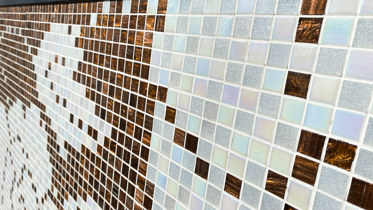 タイル絵 大きなタペストリー ガラスタイル 横2320mm 縦1040mm 光の具合が大変美しいタイルです。_画像5