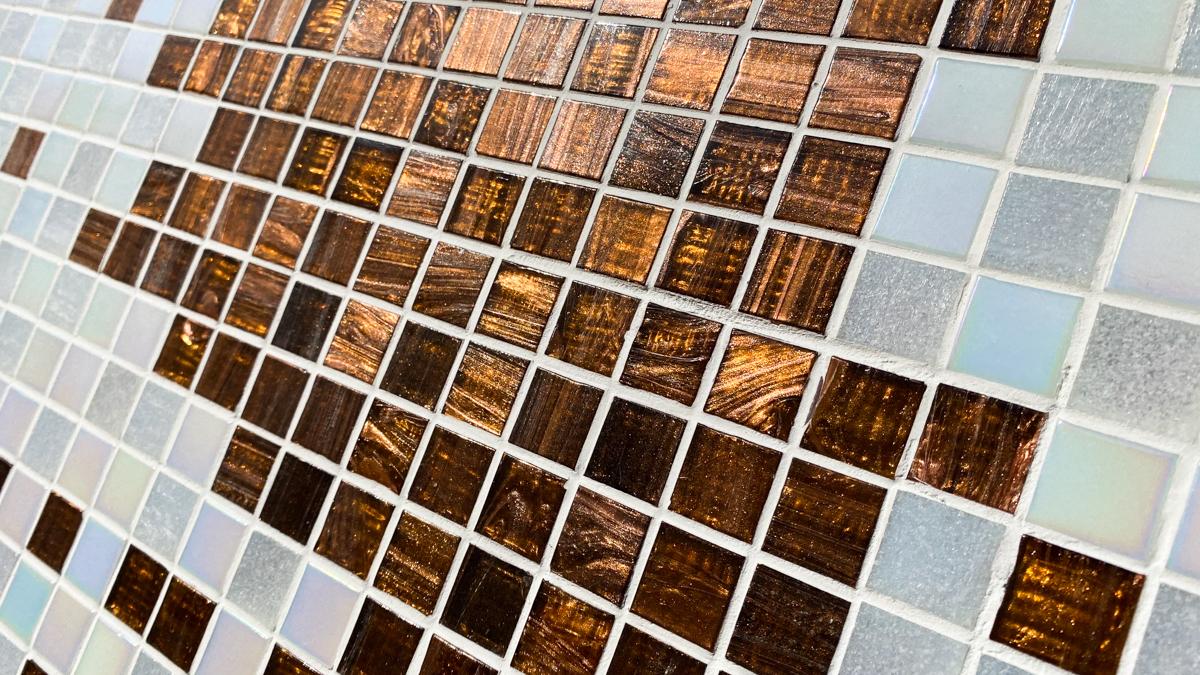 タイル絵 大きなタペストリー ガラスタイル 横2320mm 縦1040mm 光の具合が大変美しいタイルです。_画像2