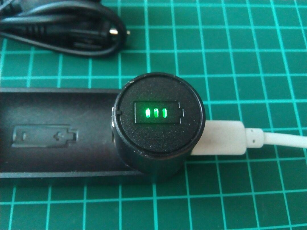 USB接続式 リチウムイオン電池専用充電器 マルチ保護システム 低電圧活性化機能、_画像3