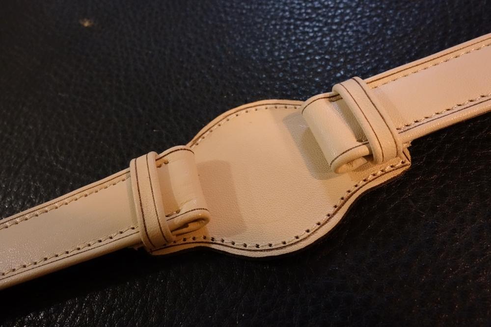 ◆台座付Dバックルビンテージベルト◆ ヌメ革 日本製 (台座幅,バックル色選択可) 18mm 腕時計ベルト ビンテージ デッドストック SEIKO等に_台座は直径40㎜と42㎜から選択可能
