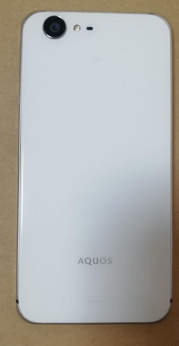 AQUOS ZETA SH-04H docomo 難ありジャンク カバー付き_画像4