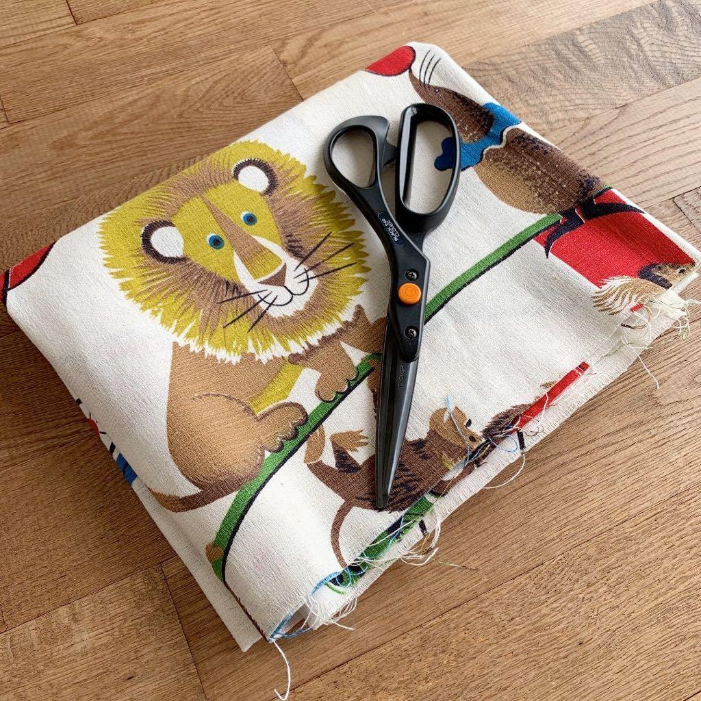 はぎれ アニマル柄 ビンテージ生地 インポート 動物 リメイク 雑貨 コレクター ハンドメイド 手作り レトロ アンティーク デッドストック