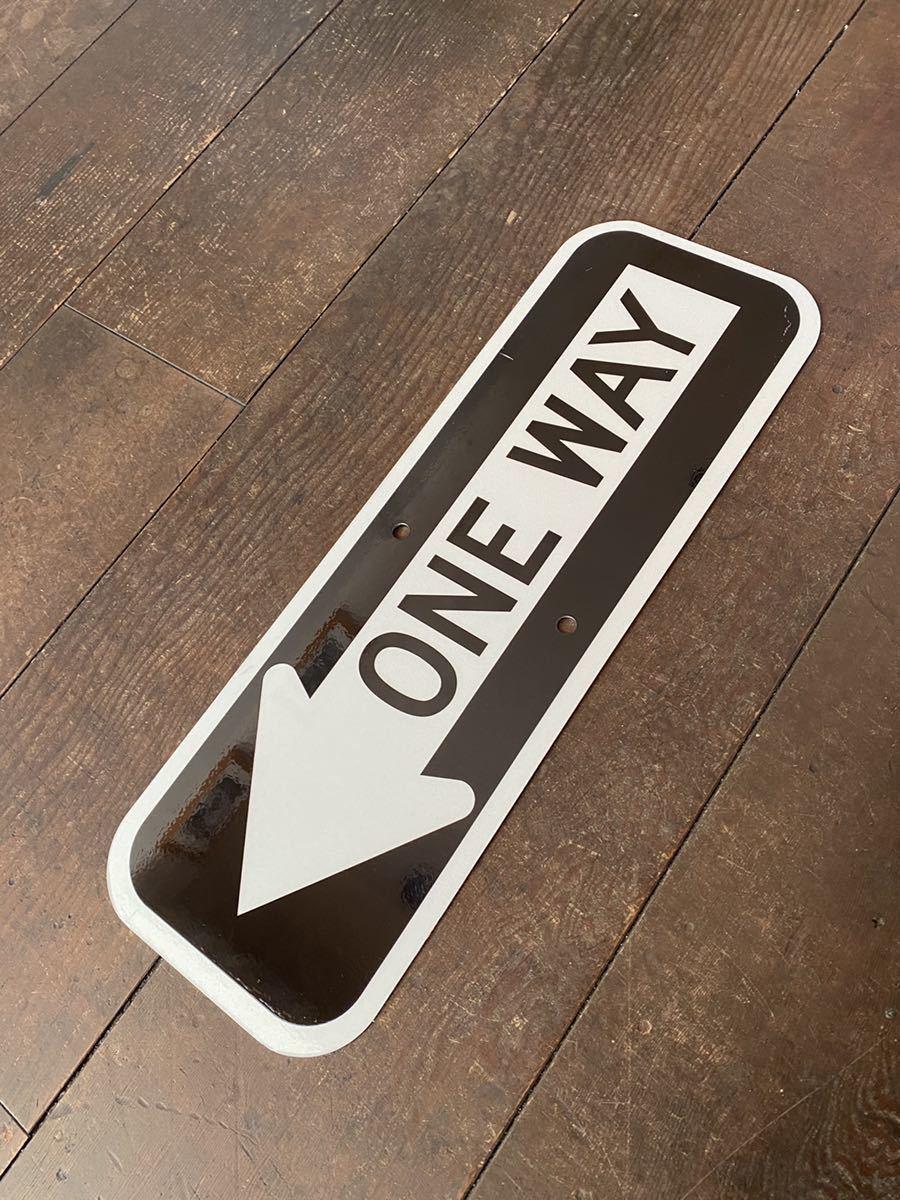★新品★アメリカ 道路標識 ← ONE WAY 一方通行★SB-9★小さめ 15cm×45cm ストリートサイン ロードサイン ガレージ 世田谷ベース 看板_画像4
