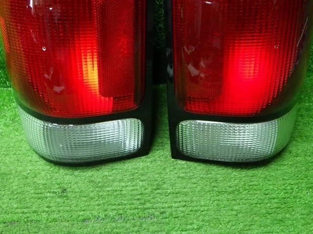 フォード エクスプローラー テールレンズ 左右セット #180601068_画像3