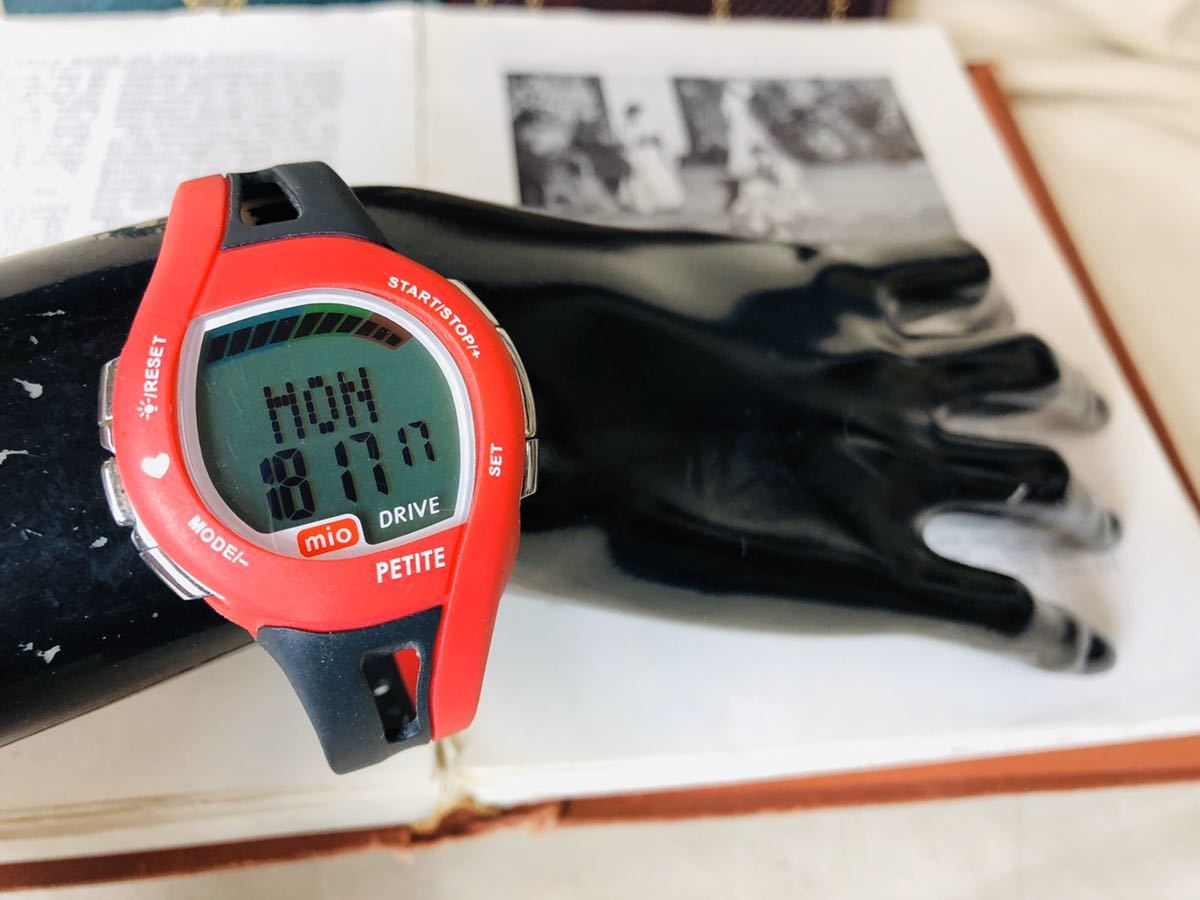 mio ミオ 腕時計 ブラック レッド DRIVE 心拍計 デジタル 稼動品 W1028_画像7