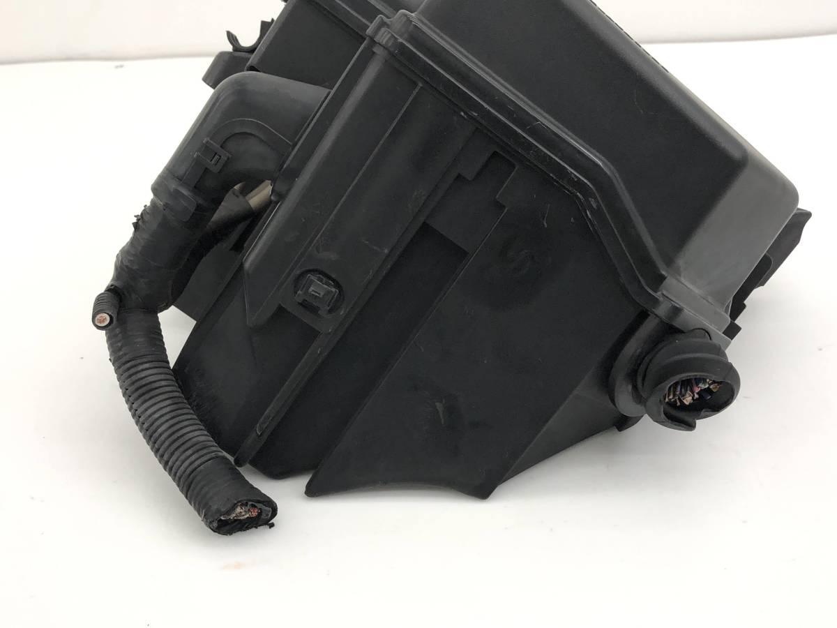 _b40573 トヨタ マークII 2 グランデ レガリア E-JZX100 ヒューズボックス エンジンルーム側_画像2