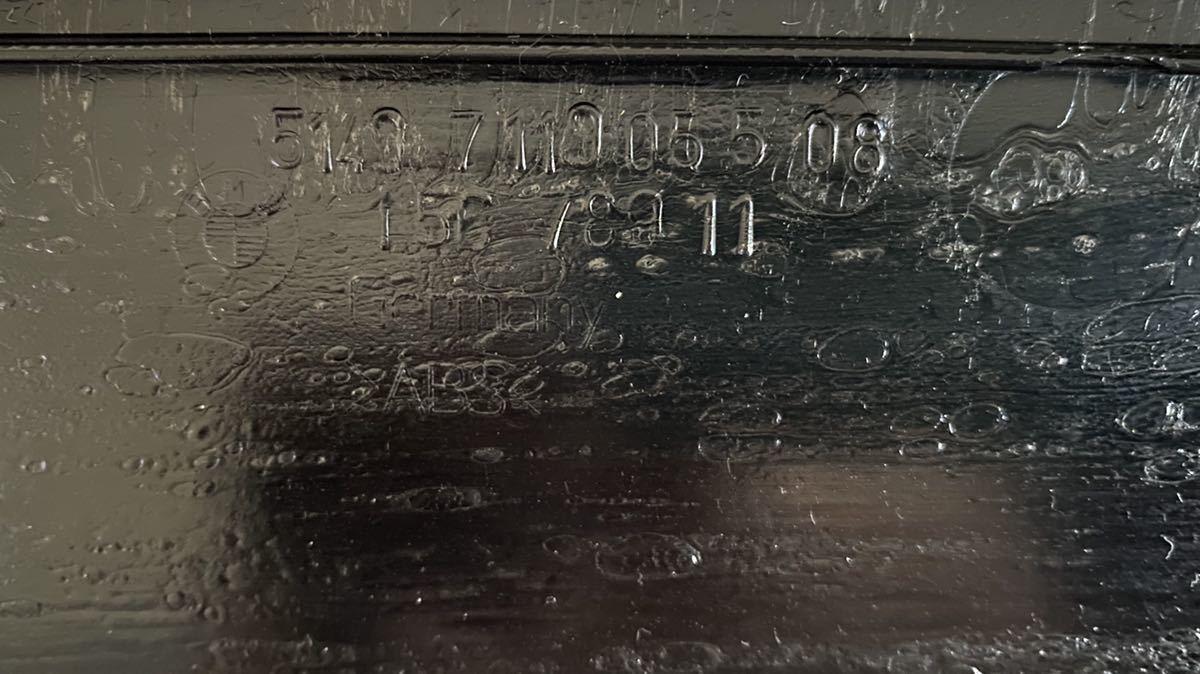 送料無料  希少 BMW リアゲート アルカンターラ パンチング グレー 内側パネル 前期 E91_画像3