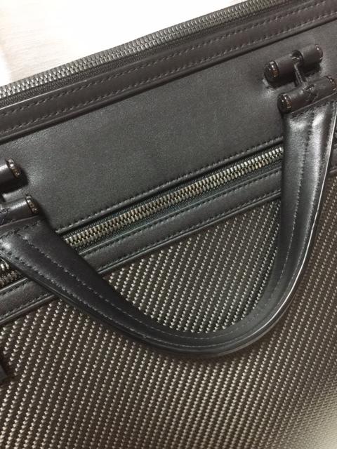 美品!TUMI ブリーフケース トゥミ バッグ CFX カーボンファイバー 本革 ビジネス 鞄 インディアナポリス スリム ブリーフケース_画像4
