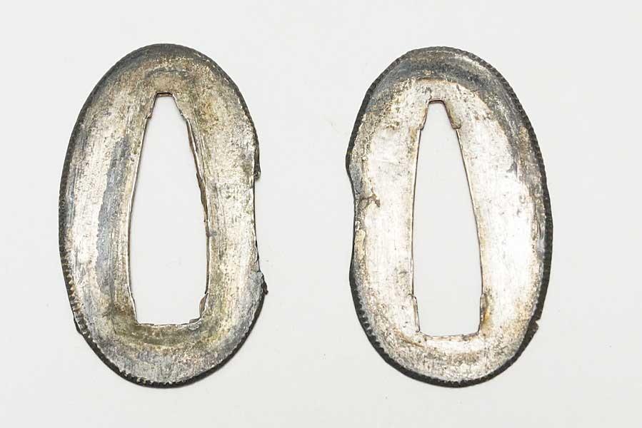素銅地 銀着せ切羽 一対 6.7g    刀装具 太刀 拵 鍔 小柄笄 目貫_画像3