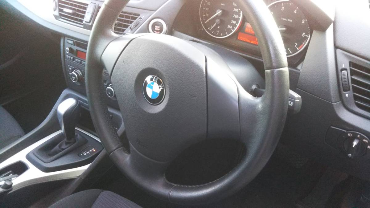 「BMW X1 s18i 綺麗な一台、程度良好!車検あります。」の画像3