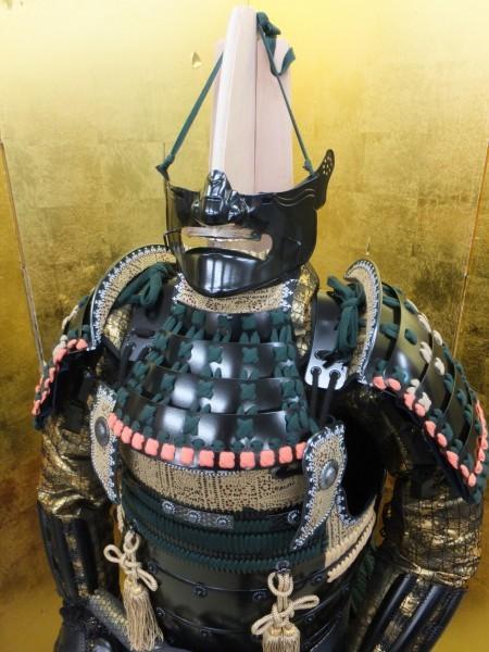 美品 【竹中 半兵衛 創作等身大鎧 変わり兜】  兜 甲冑  鎧 _鎧立て付きでございます。