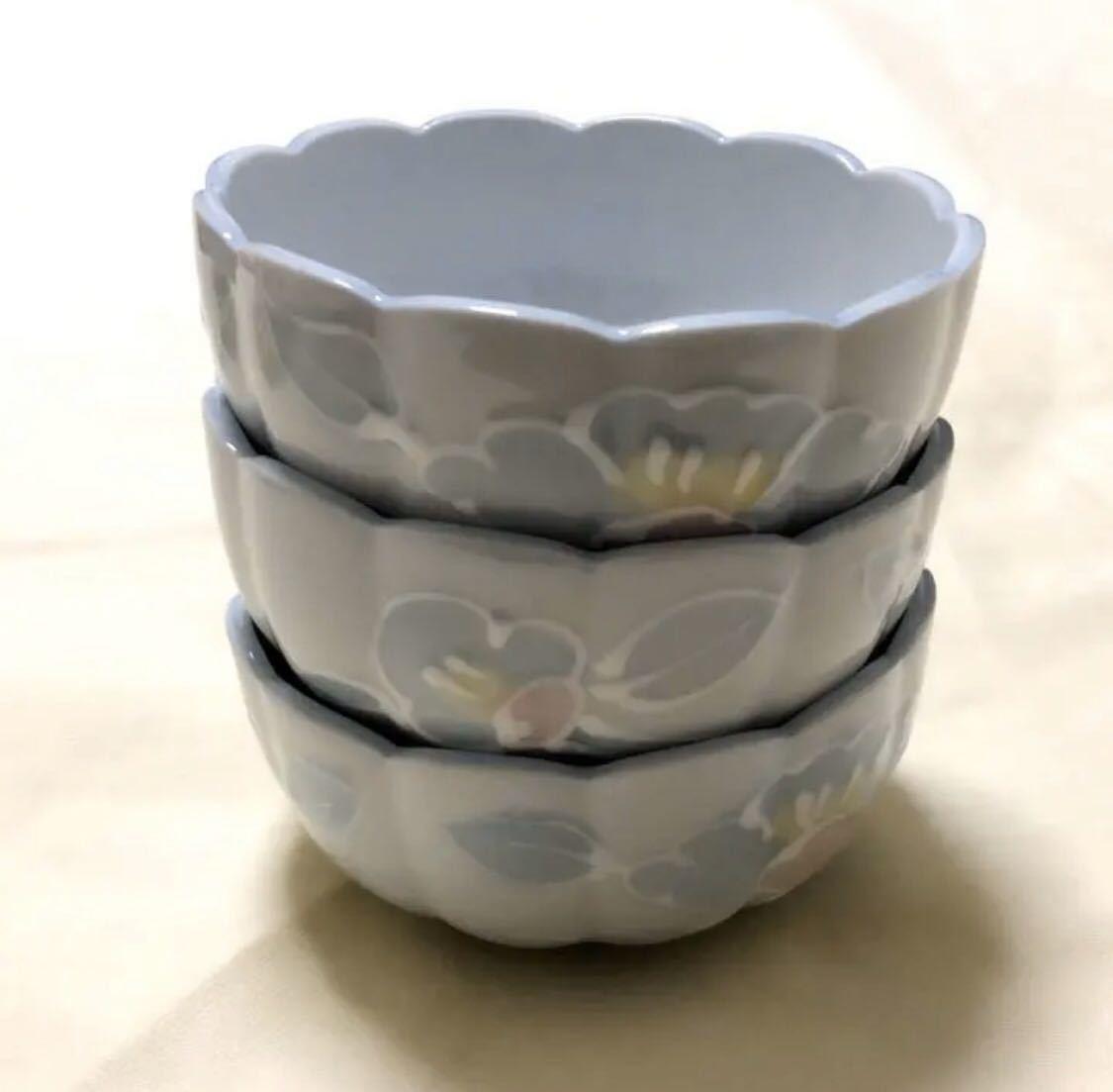未使用 陶磁器 有田焼 善山造 輪花形 花柄 小茶碗小鉢 3個_画像6