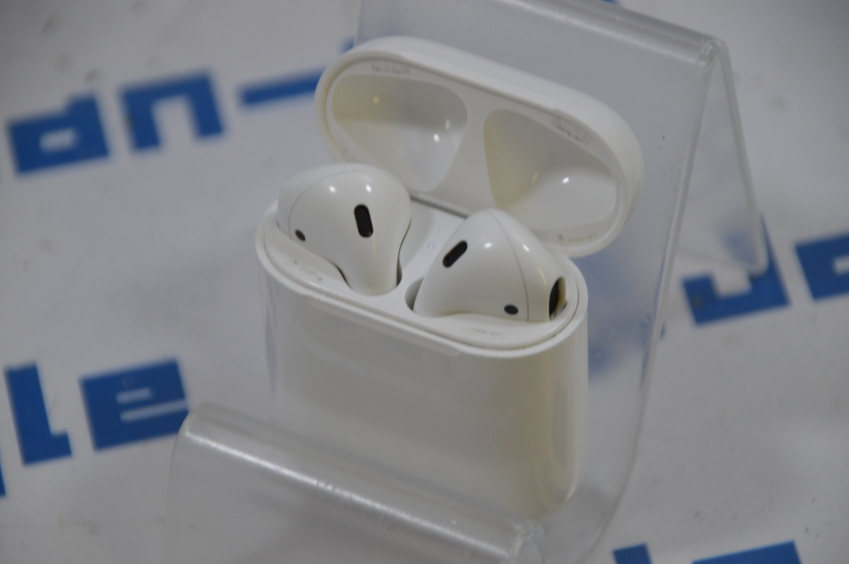 Apple AirPods with Charging Case 完全ワイヤレスイヤホン!! 格安1円スタート!! A1602 ∞ J369008 G 関西発送