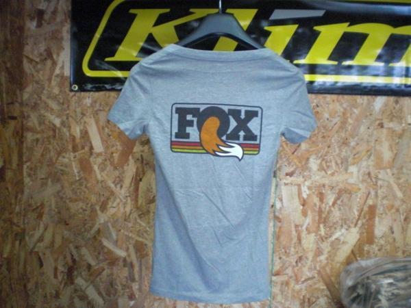 FOX Tシャツ グレー Sサイズ レディース_画像2