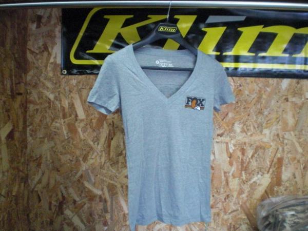 FOX Tシャツ グレー Sサイズ レディース_画像1