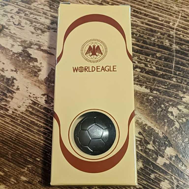 【新品未使用】WORLDEAGLE サッカー ボール キーホルダー 記念日_画像1