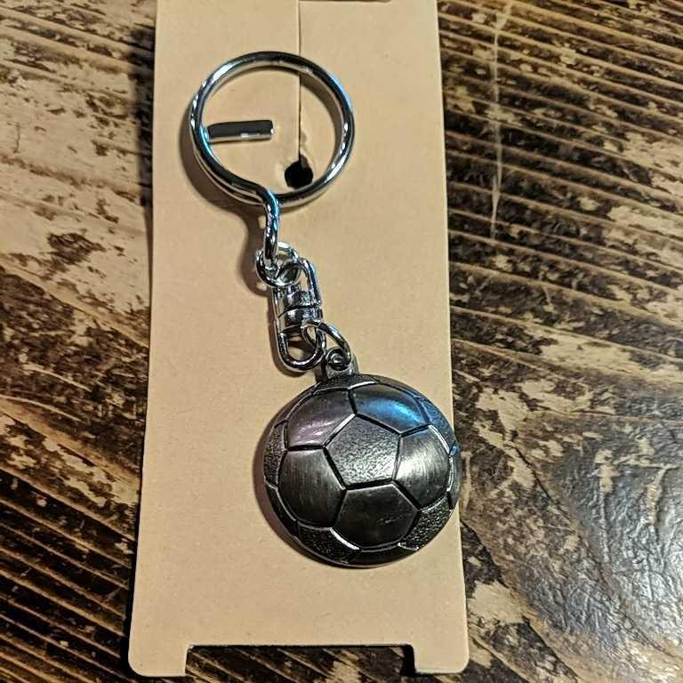 【新品未使用】WORLDEAGLE サッカー ボール キーホルダー 記念日_画像3