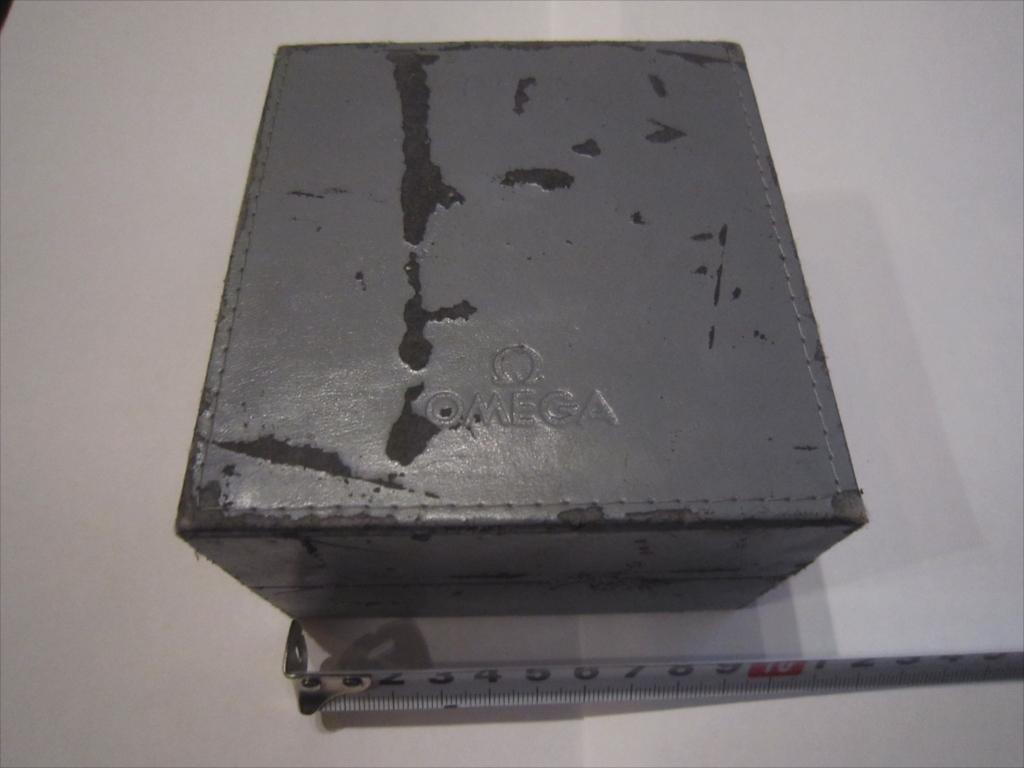 レア 昭和 OMEGA オメガ 純正 腕時計ケース 箱 木製 ボックス のみ 収納BOX 空箱_画像1