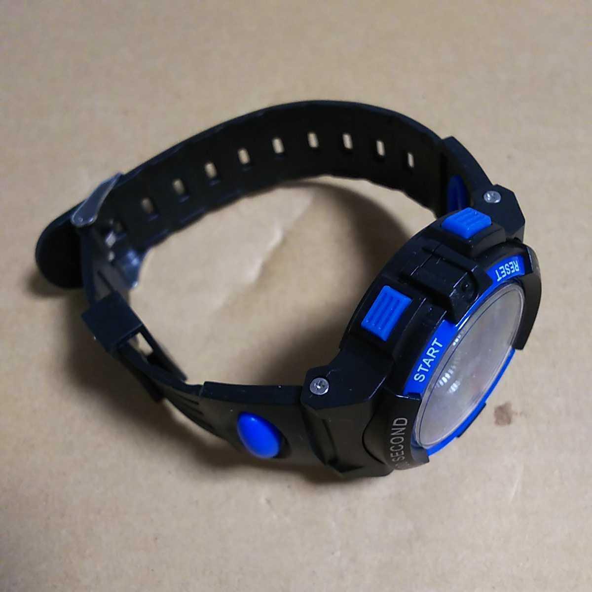 ◆デジタル腕時計 防水腕時計 スポーツウォッチ ストップウォッチ機能付 30M防水 ブルー_画像2