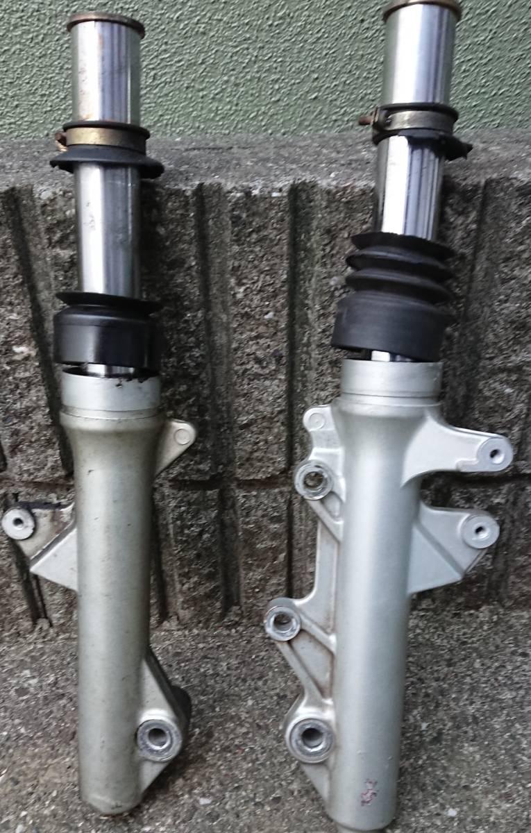 ヤマハ マジェスティ 125 FI フロントフォーク 実働車から取外し 純正部品 固着無し _画像2