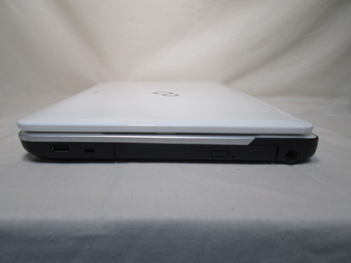 富士通 LIFEBOOK AH30/L Celeron B830 1.8GHz 4GB メモリ 500GB HDD 15.6インチ DVDマルチ 最新Win10 64bit Office Wi-Fi HDMI [77837]_画像4