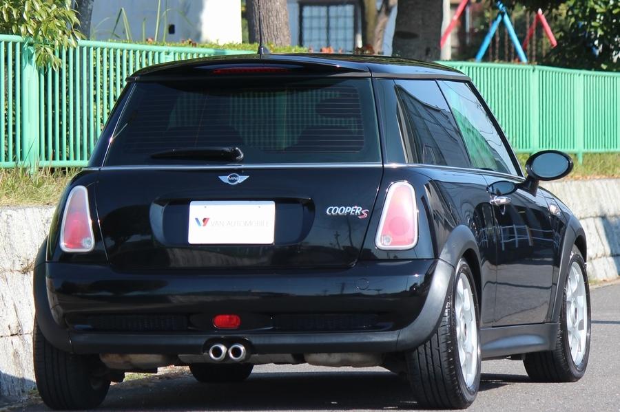 「【6速MT・内外美車】06yモデル/R53 BMW MINI クーパーS/ハーフレザー/オートAC/HID/タイミングチェーン/リアスポイラー/ダウンサス」の画像2