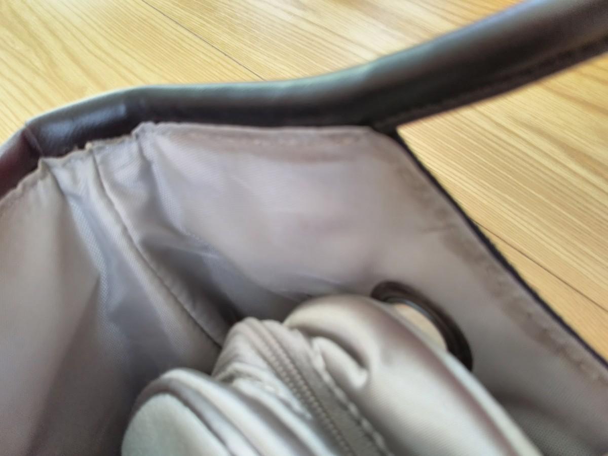 スエード調 ポーチ付きハンドバッグ
