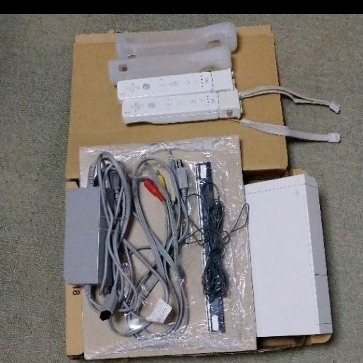 ニンテンドー Wii ゲーム機 本体+リモコン+ソフト
