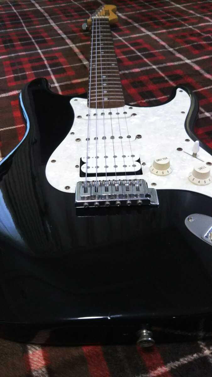 ストラトキャスター エレキギター トラ目 ケース付 _画像2
