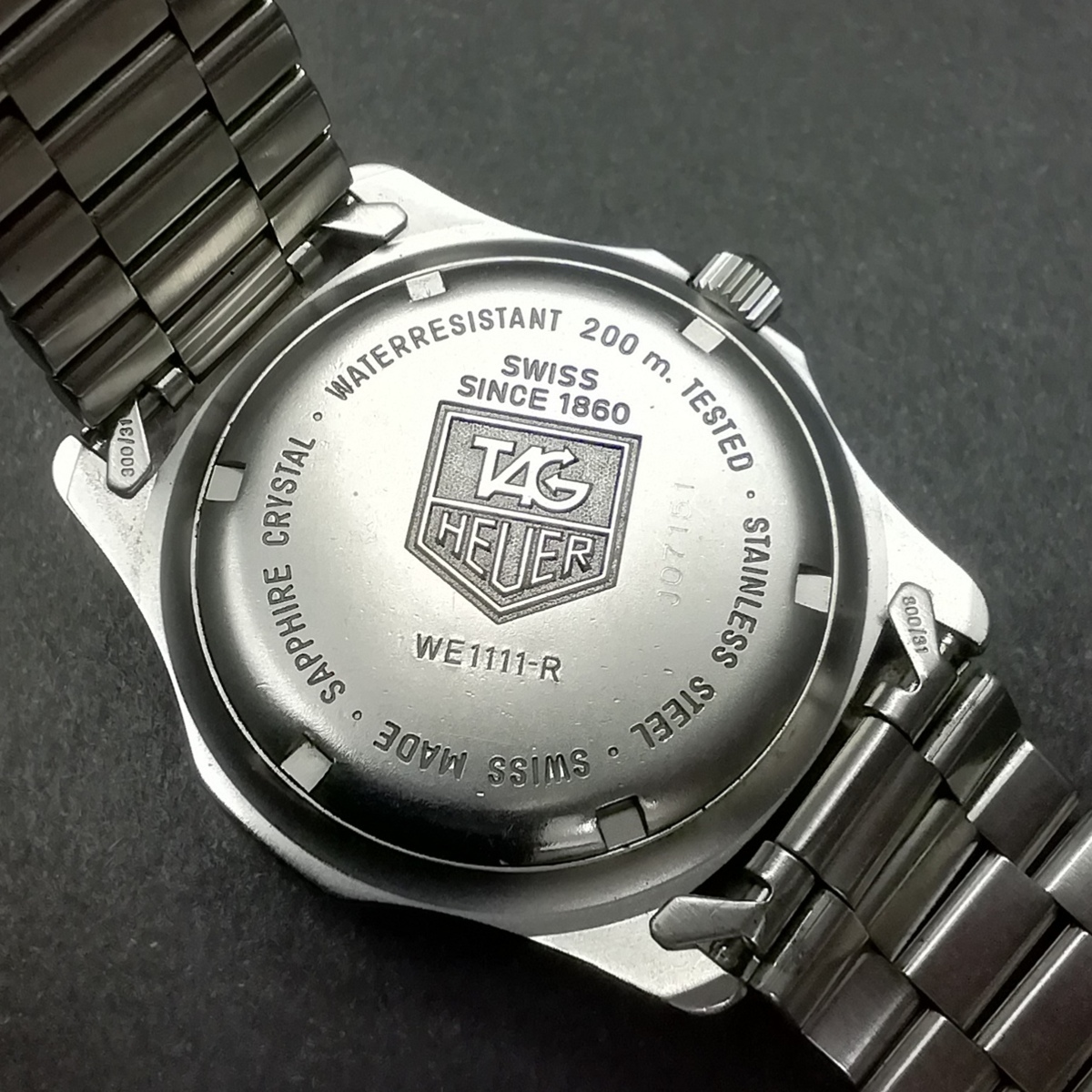 TAG HEUER PROFESSONAL タグホイヤー プロフェッショナル WE111-R クオーツ デイト 200M 元箱/ケース付 メンズ腕時計_画像6