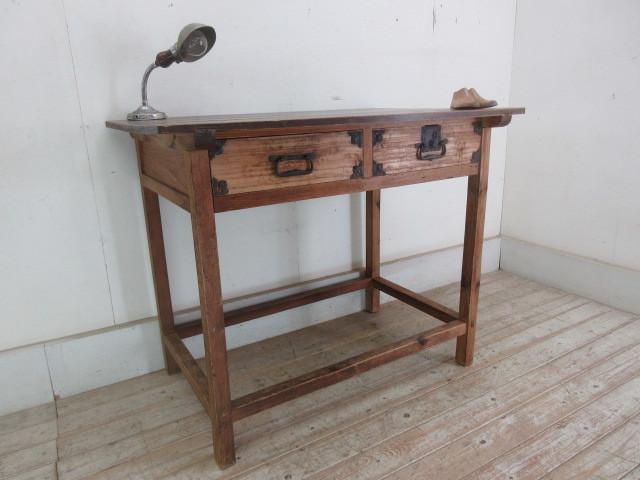 古い木味の2杯引出し平机K242   アンティークデスク作業台カウンターテーブル店舗什器カフェ什器無垢材古家具_画像1
