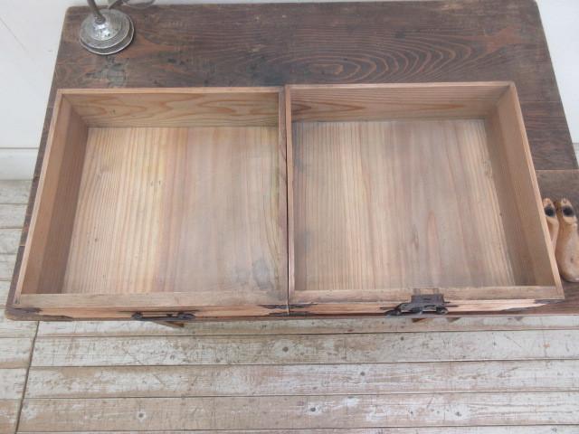 古い木味の2杯引出し平机K242   アンティークデスク作業台カウンターテーブル店舗什器カフェ什器無垢材古家具_画像6