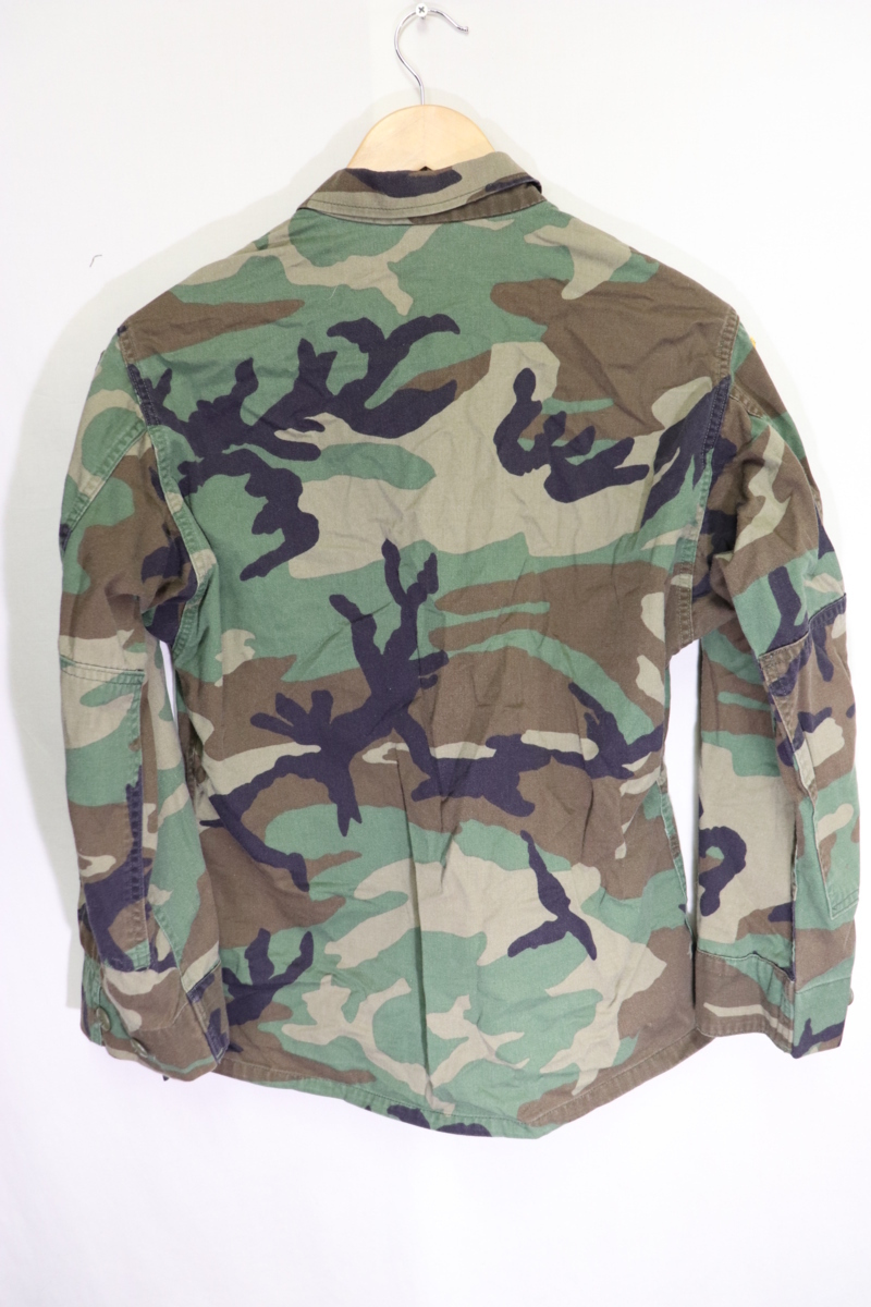 【メンズ】米軍ウッドランドミリタリージャケットAIR BORME/USAカモフラ良品ワッペン実物♪S_画像8