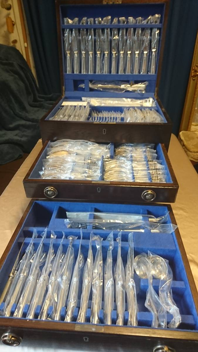 マッピン&ウェッブ(MAPPIN&WEBB) 純銀925 スターリングシルバー カトラリーセット 18種123ピース 重さ7.971㎏ シェフィールド1990年 鍵付