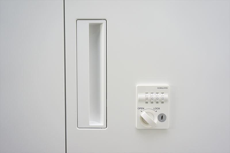 【大量在庫】【中古】コクヨ エディア ダイヤル式両開き書庫 天板付 H1130 ホワイト_画像5