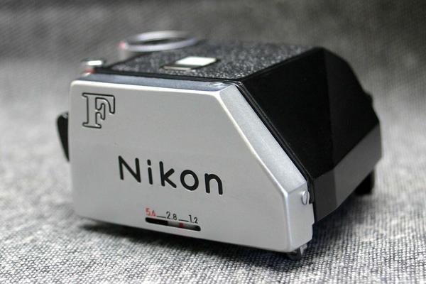 Nikon ニコン 高級一眼レフカメラ F専用 フォトミックファインダー 綺麗な作動品 (腐食無し)